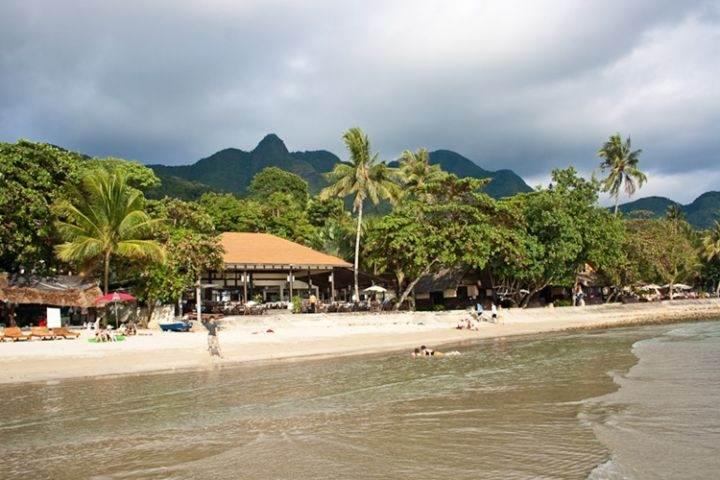 White Sand Beach главный пляж острова Ко Чанг