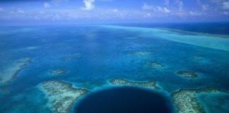 голубая дыра на острове Андрос