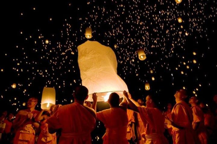 Посмотрите на фестиваль летающих фонариков в Тайланде! - Посмотрите на фестиваль летающих фонариков в Тайланде!