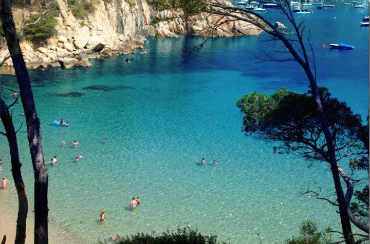 Пляжи Испании  Aiguablava - Настоящее уединение - 7 пляжей Испании