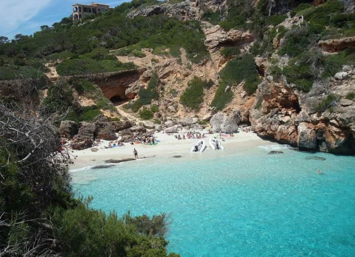 Calo-des-Moro-Beach - Настоящее уединение - 7 пляжей Испании