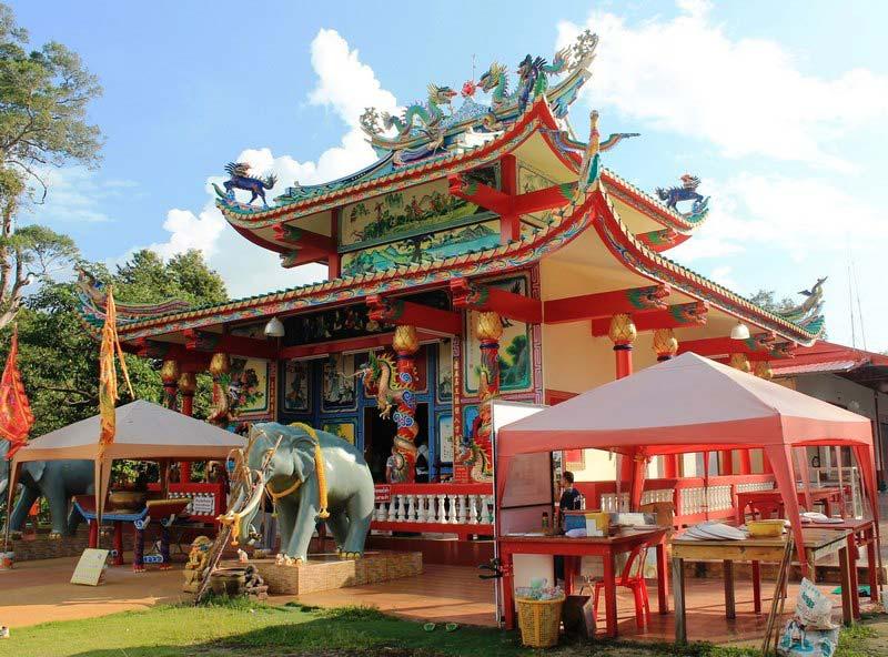 Chao-Por-Koh-Chang-Shrine - Остров Ко Чанг – отличное место для отдыха в Тайланде