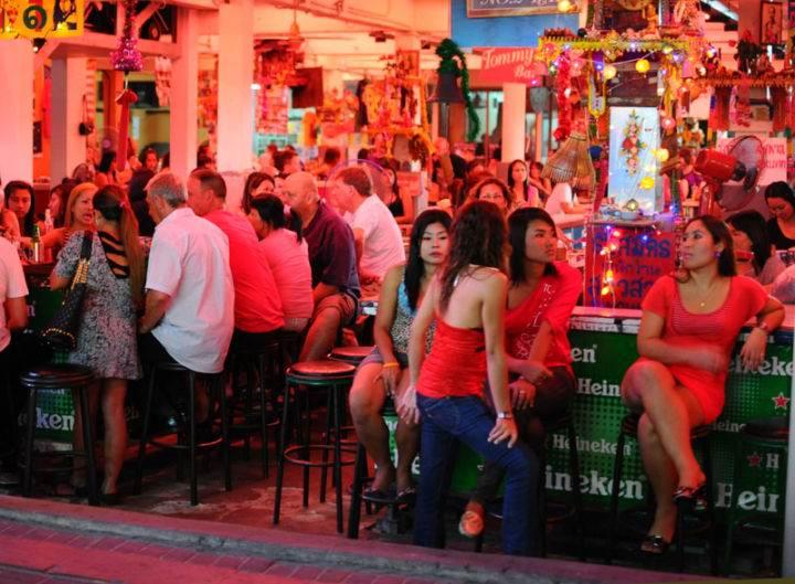 бары паттайя - Краткий путеводитель по ночным развлечениям в барах в Тайланде