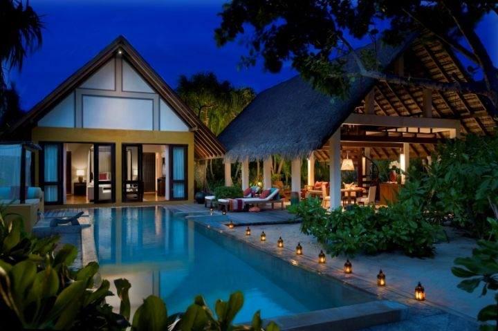 Лучшие курорты на Мальдивах FOUR-SEASONS - Какие самые шикарные отели на Мальдивах?