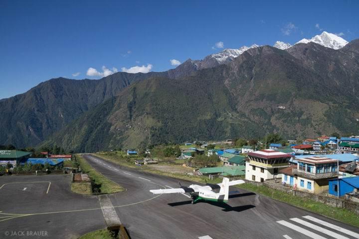 Lukla-Airport Лукла Аэропорт Непал - 5 очень необычных и опасных аэропортов мира