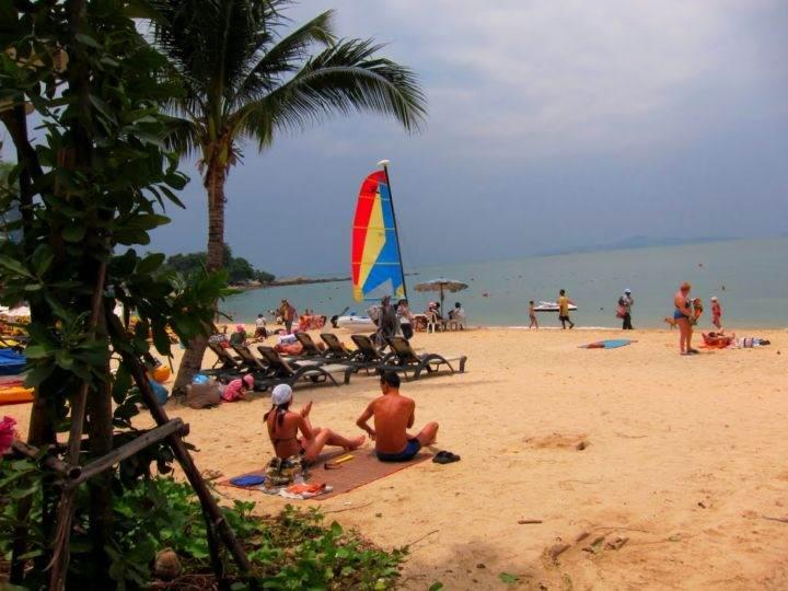 Pattaja Wongamat Beach пляж - Есть ли в Паттайе действительно хорошие пляжи?
