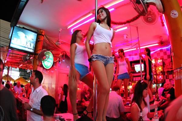 Развлечения, чтобы не умереть со скуки на Пхукете - шоппинг и го-го бары - Развлечения, чтобы не умереть со скуки на Пхукете - шоппинг и го-го бары