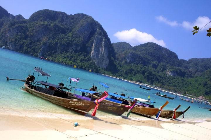 Tonsai Bay, Остров Пхи Пхи, Koh Phi Phi Island, Краби, Южный Таиланд, Тайланд, Krabi, Thailand, лучший отель на Пхи Пхи, отели Пхи Пхи, отдых на Пхи Пхи, фото Пхи Пхи, пхи пхи фото-отчёт, ночной клуб, пляж, медовый месяц на Пхи Пхи - Обзор лучших пляжей на островах Пхи-Пхи - продолжение