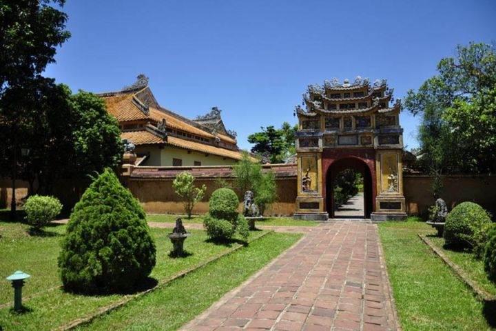 vietnam hue cite imperiale - 10 лучших мест Вьетнама, обязательных к посещению