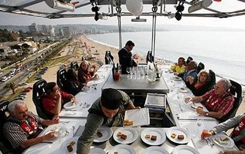 необычный ресторан dinner-in-the-sky
