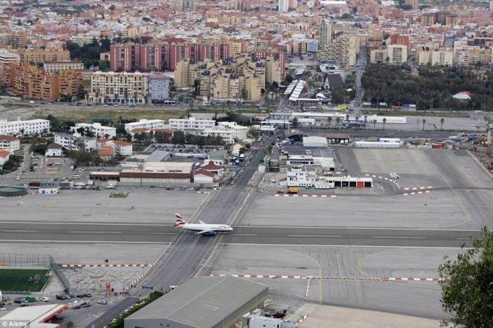 Аэропорт Гибралтар - 5 очень необычных и опасных аэропортов мира