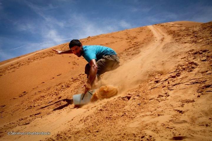 mui ne red sand dunes skiing - Пляжи Фантьета и другие достопримечательности