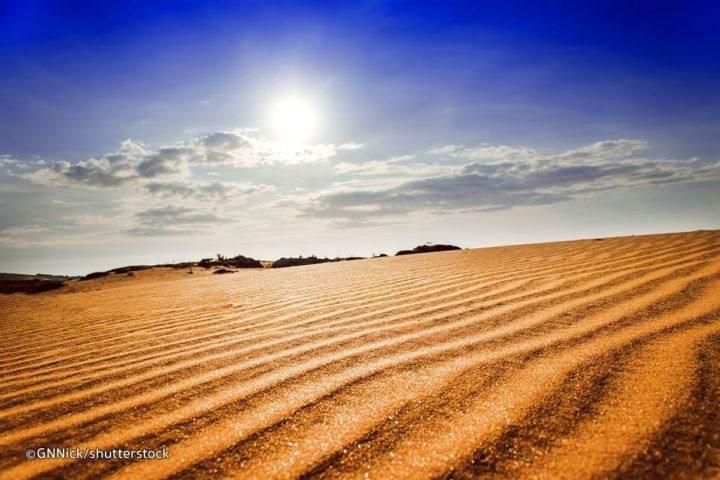 Закат в красных дюнах