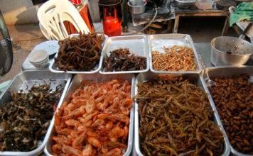 блюда из насекомых в Тайланде