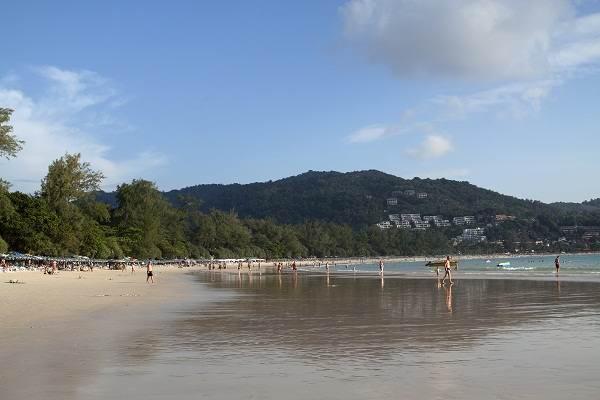 - Пляж Ката - лучшее место для серфинга на Пхукете