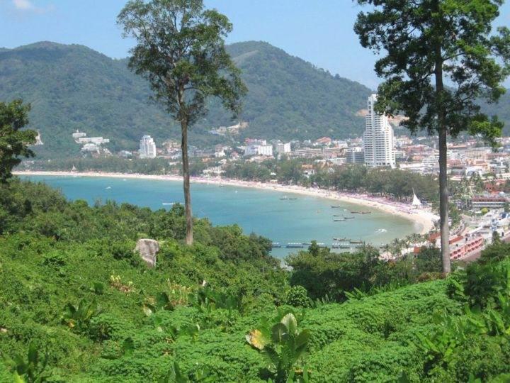 вид на пляж Патонг