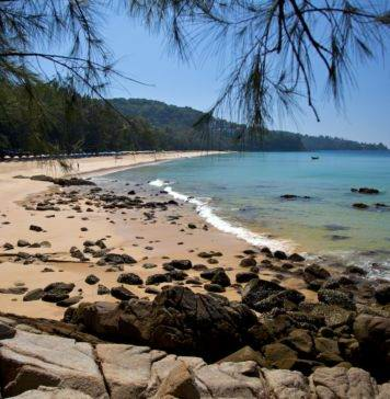 Пляж Най Тхон