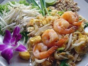 pad_thai1 - Лучшие 10 блюд тайской кухни, которые вы просто обязаны попробовать