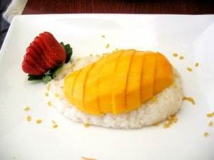 sticky-rice-with-mango-300x2251 - Рейтинг 5 самых популярных десертов тайской кухни