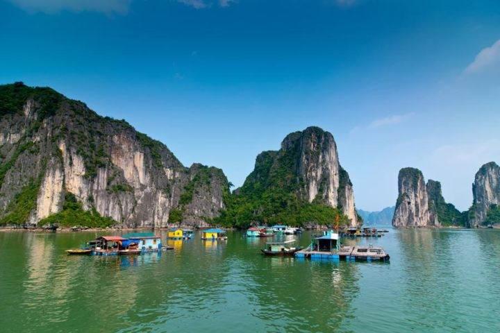 vietnam halong bay Бухта Халонг - 10 лучших мест Вьетнама, обязательных к посещению