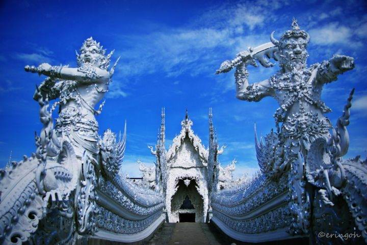 Храм Ват Ронг Кхун wat-rong-khun-temple-1 - Познакомьтесь с самыми впечатляющими храмами Тайланда