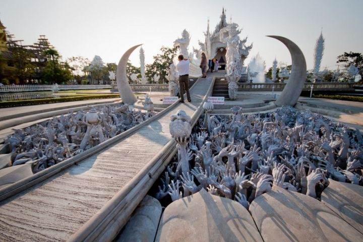Храм Ват Ронг Кхун wat-rong-khun-temple-2 - Познакомьтесь с самыми впечатляющими храмами Тайланда