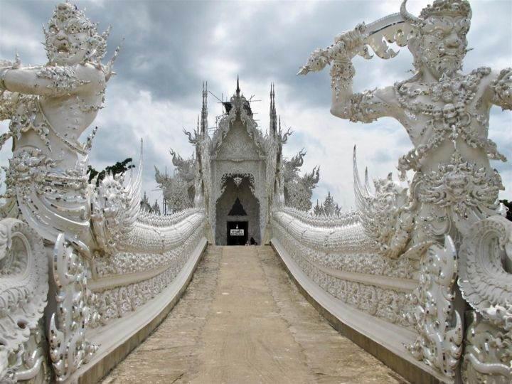 Храм Ват Ронг Кхун wat-rong-khun-temple-4 - Познакомьтесь с самыми впечатляющими храмами Тайланда